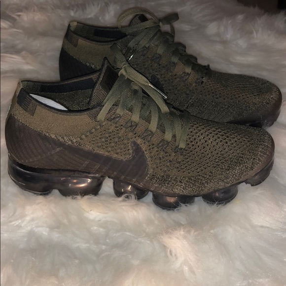 358fc6c1a81 Olive Green Nike Air Vapormax Flyknit. M 5ae1bf7c2ab8c5eb35815032